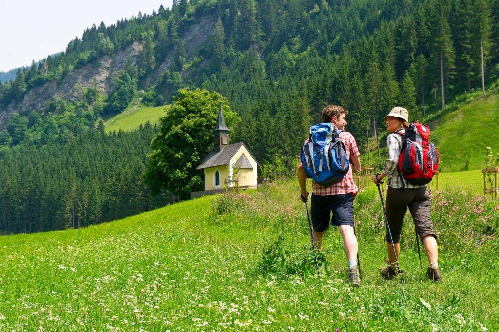 ferienhaus-grabenhaeusl-kapellenwanderweg-grossarltal-sommer