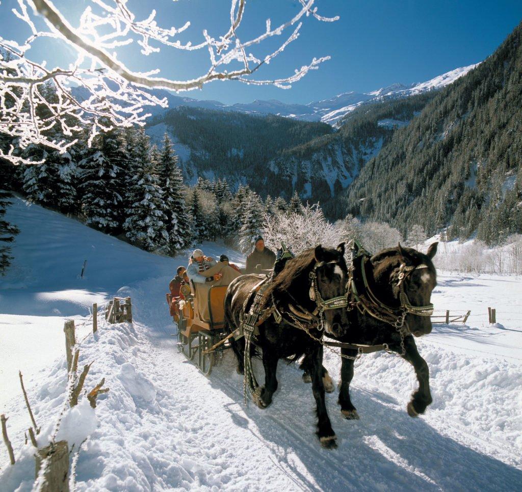 ferienhaus-grabenhaeusl-pferdekutschenfahrt-winter-grossarltal