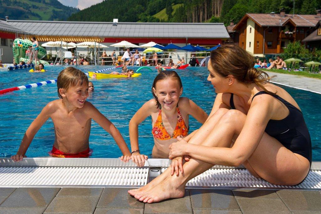 ferienhaus-grabenhaeusl-schwimmbad-freizeitzentrum-grossarltal