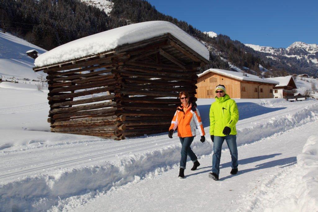 ferienhaus-grabenhaeusl-winterwandern-grossarltal-spazieren